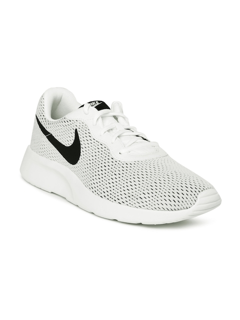 Nike Men White TANJUN SE Sneakers