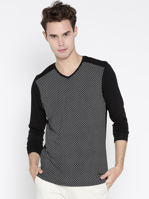 Blackberrys Men Black & White Printed V-Neck T-shirt