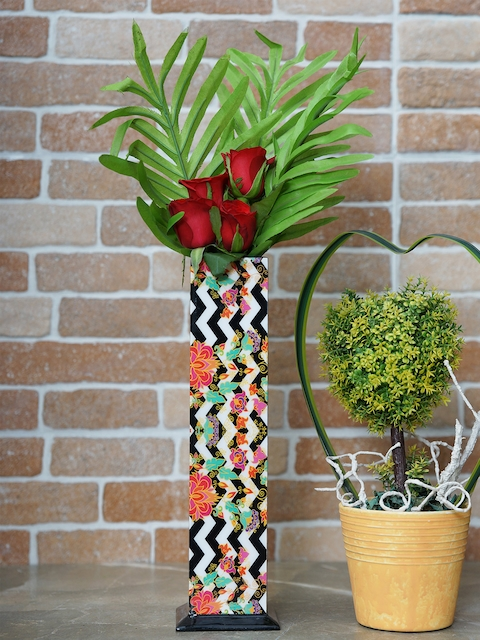 RANGRAGE White & Black Rectangular Printed Handcrafted Vase