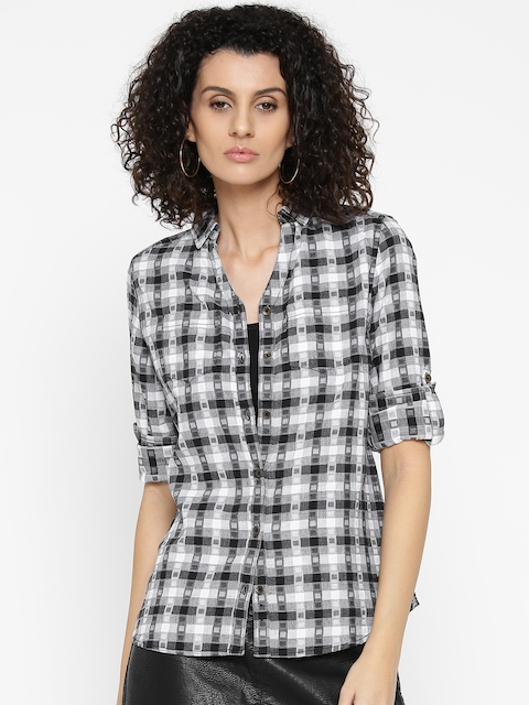 Roadster Women Black & White Slim Fit Checked Casual Shirt