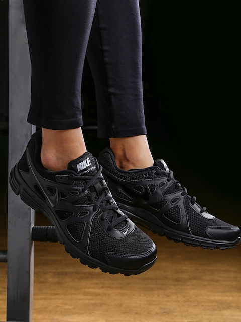 Nike Men Black Running Shoes