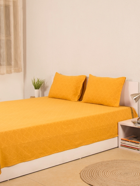 House This Yellow Printed Cotton Double Bed Cover with 2 Pillow Covers