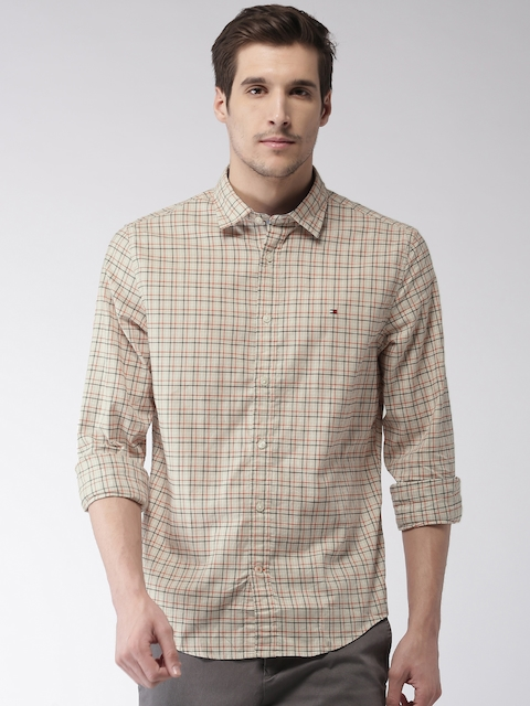 Tommy Hilfiger Men Beige & Red Custom Fit Checked Casual Shirt
