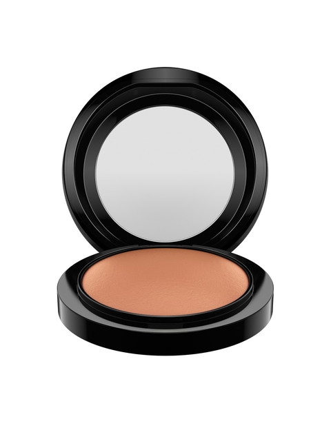 M.A.C Sun Power Mineralize Skinfinish Natural Compact