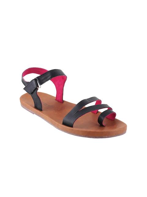 Metro Women Black Solid One-Toe Flats
