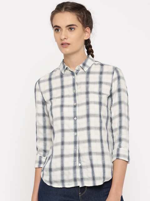 Levis Women Off-White & Blue Regular Fit Checked Casual Shirt
