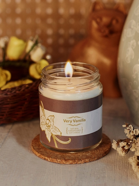 Resonance White Vanilla Scented Candle
