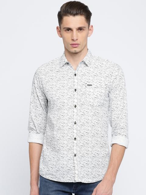 Wrangler Men White & Navy Blue Slim Fit Printed Casual Shirt