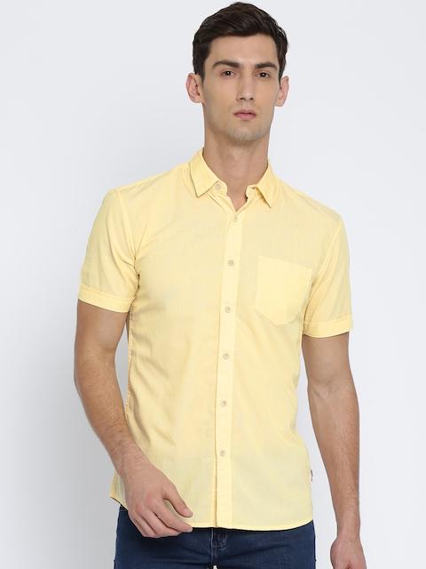 Wrangler Men Yellow Regular Fit Solid Casual Shirt