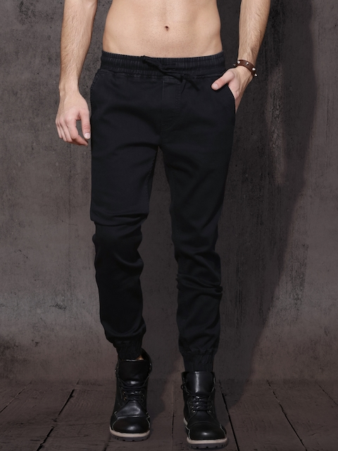 Roadster Men Black Slim Fit Mid-Rise Clean Look Stretchable Jogger Jeans
