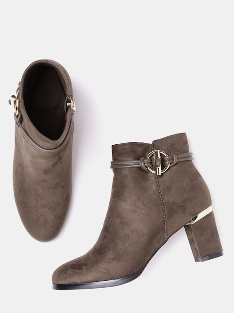 DressBerry Women Coffee Brown Solid Heeled Boots