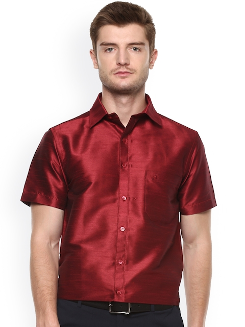 Khoday Williams Men Maroon Regular Fit Solid Formal Shirt
