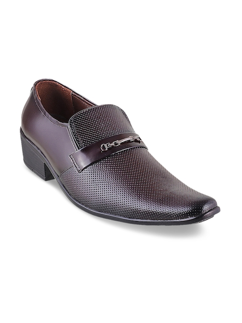 Metro Men Maroon Textured Leather Semiformal Shoes
