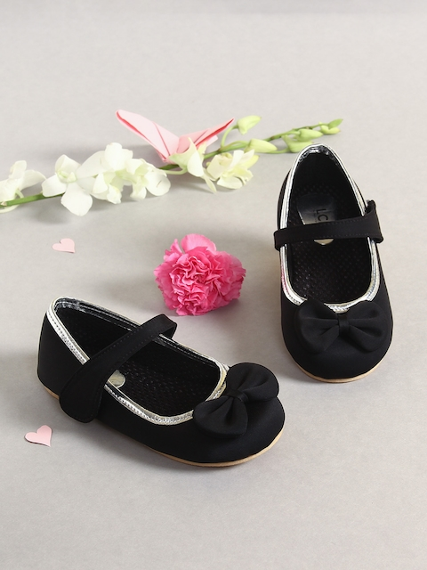 LCL by Walkinlifestyle Girls Black Solid Synthetic Ballerinas