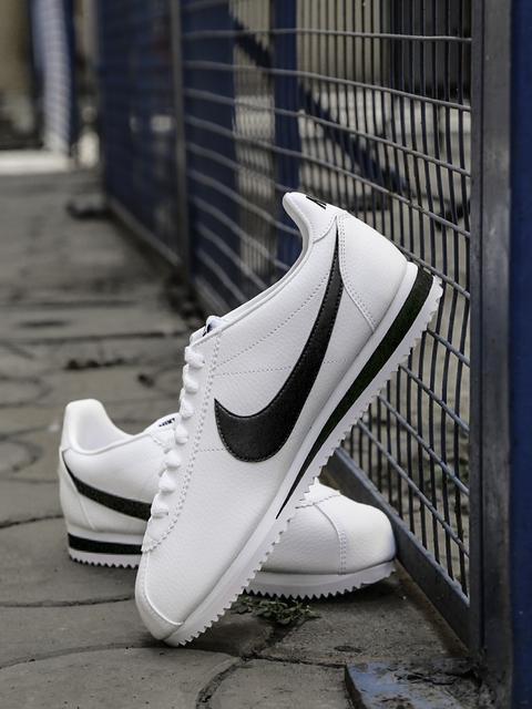 Men's Nike Classic Cortez Leather Shoe