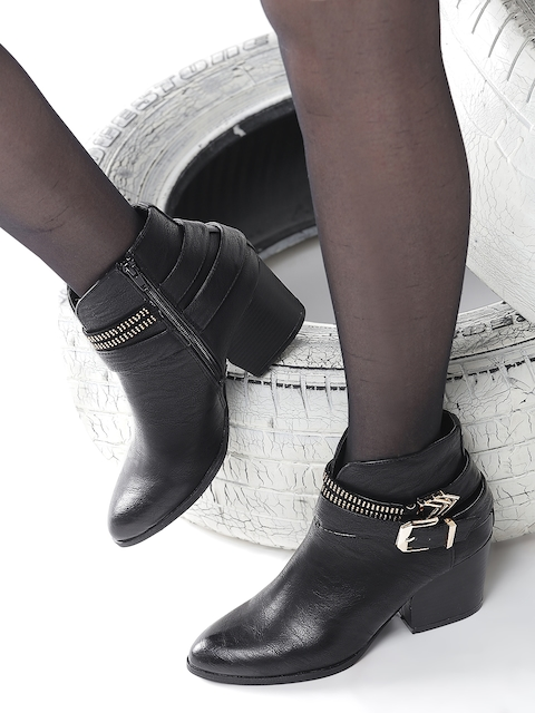 Roadster Women Black Solid Heeled Boots