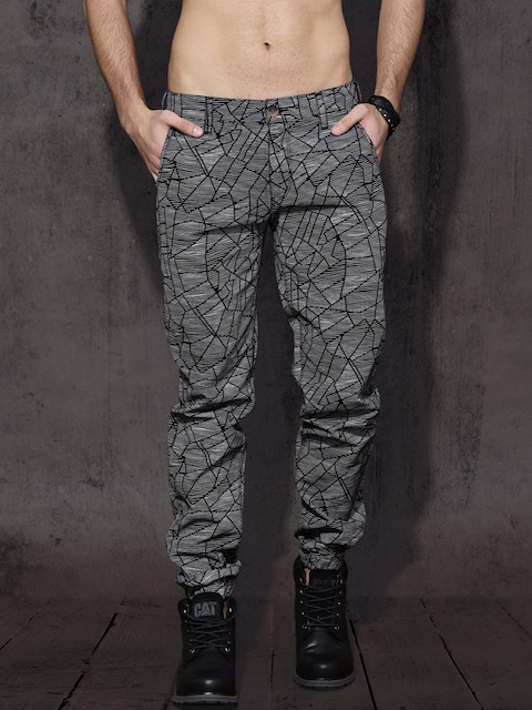 Roadster Men Black & White Slim Fit Printed Joggers