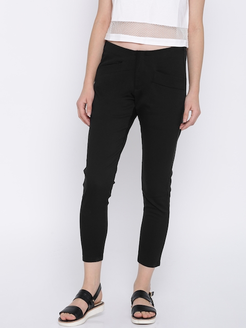 Pepe Jeans Women Black Regular Fit Solid Cropped Trousers