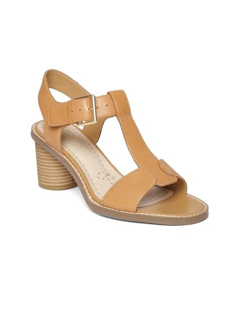 Clarks Women Tan Brown Leather Sandals