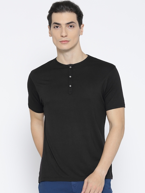 Blackberrys Men Black Solid Henley Neck T-shirt