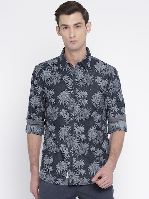 Tommy Hilfiger Men Black Standard Regular Fit Self Designed Casual Shirt