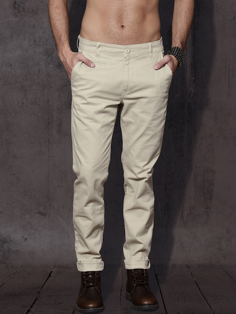 Roadster Men Beige Slim Fit Solid Regular Trousers