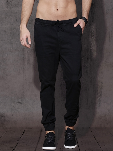 Roadster Men Black Slim Fit Solid Joggers