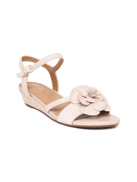 Clarks Women Dusty Pink Leather Sandals