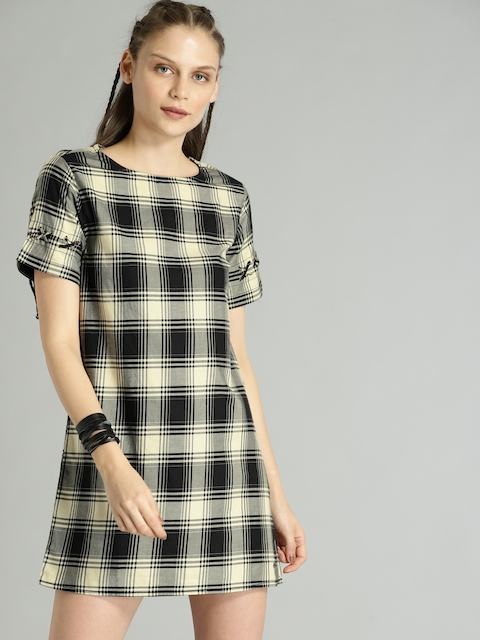 Roadster Women Black & Cream-Coloured Checked A-Line Dress