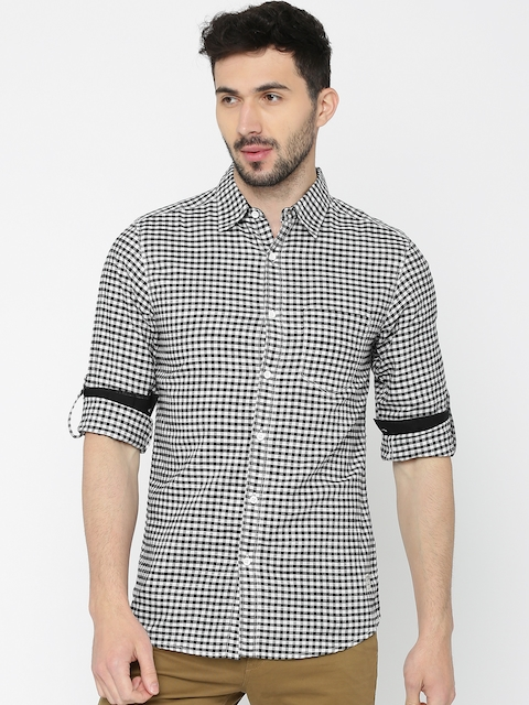 SPYKAR Men Black & White Regular Fit Checked Casual Shirt