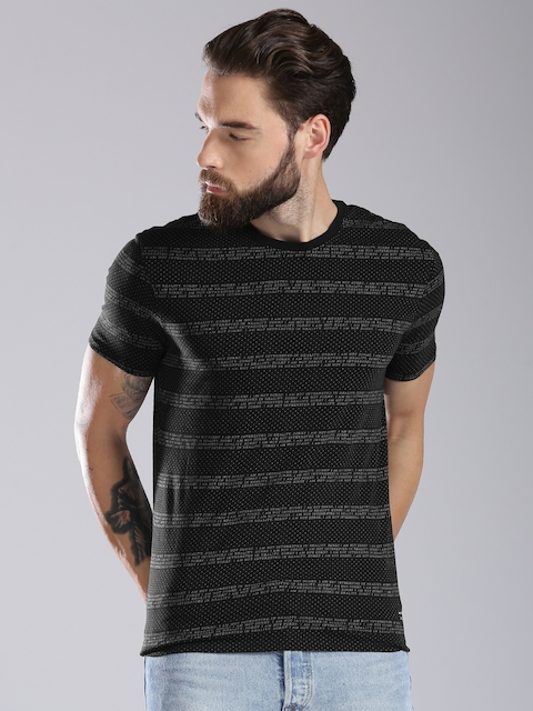 Levis Men Black Printed Round Neck T-shirt