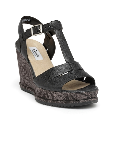 Clarks Women Black Solid Leather Sandals