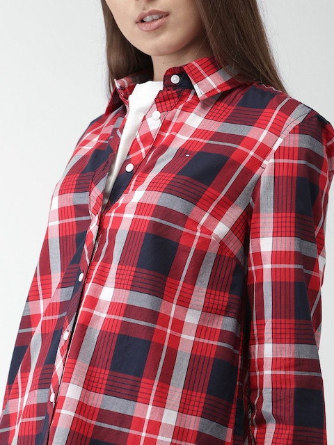 Tommy Hilfiger Women Red & Navy Blue Regular Fit Checked Casual Shirt