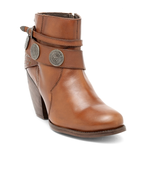 iLO Women Tan Solid Heeled Boots
