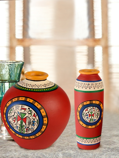 ExclusiveLane Set of 2 Red Terracotta Hand-Painted Vases