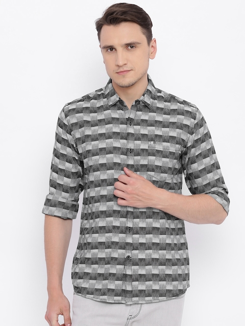 Wrangler Men Black & Grey Regular Fit Checked Casual Shirt
