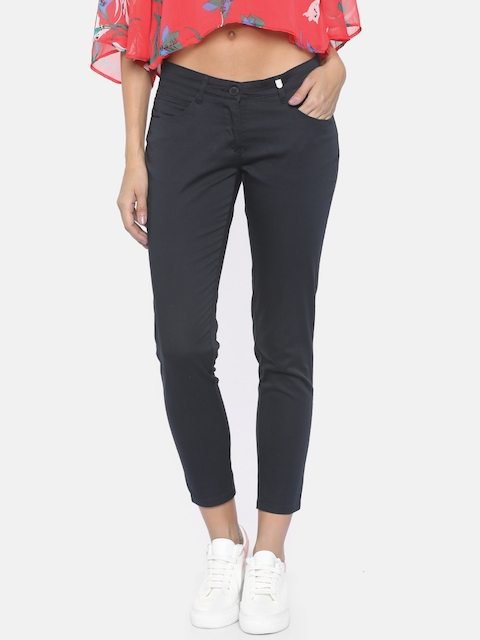 Park Avenue Women Black Tapered Fit Solid Regular Cropped Trousers
