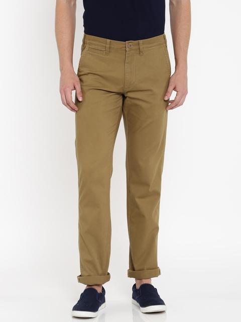 Wrangler Men Khaki Custom Slim Fit Solid Chinos