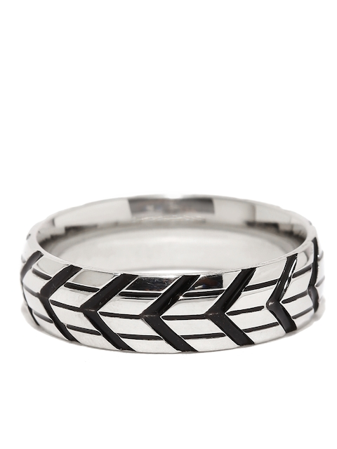 Moxie Men Silver-Toned & Black Arrow Engraved Stylish 316L Stainless Steel Ring
