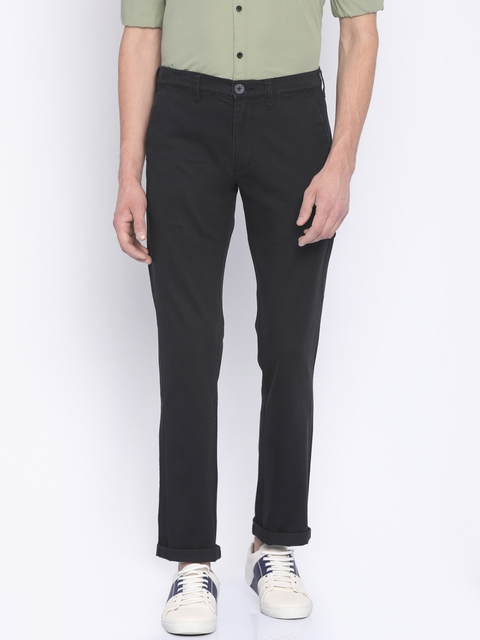 Wrangler Men Black Custom Slim Fit Solid Chinos