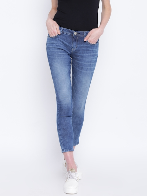 Monte Carlo Women Blue Regular Fit Mid-Rise Clean Look Stretchable Cropped Jeans