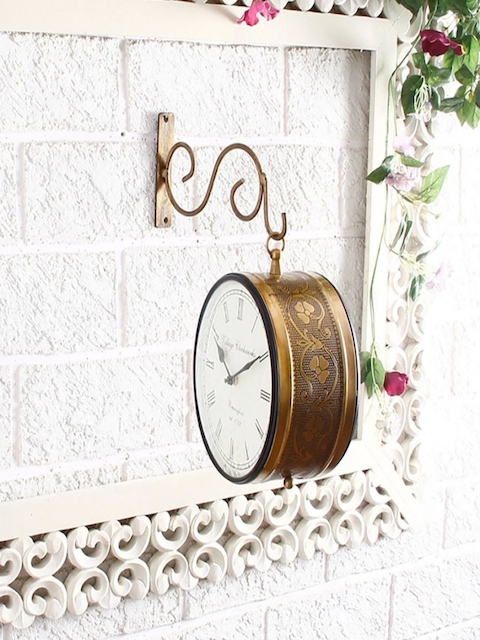 Unravel India Gold-Toned Round Solid Analogue Wall Clock