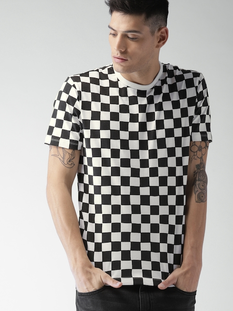 Levis Men Black & White Checked Round Neck T-shirt
