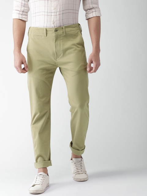Levis Men Khaki Tapered Fit Solid Chinos