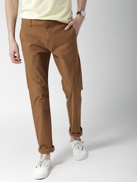 Levis Men Brown Regular Fit Solid Chinos