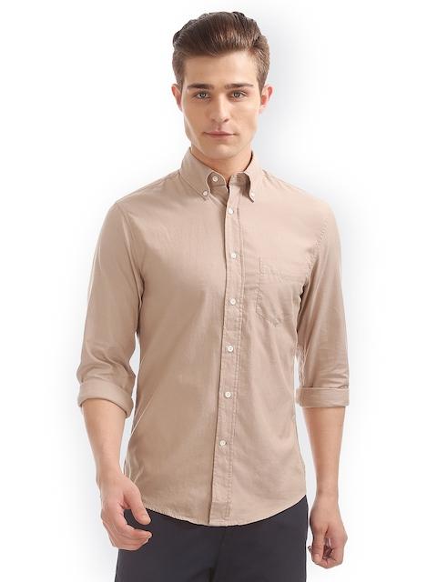 GANT Men Beige Slim Fit Solid Casual Shirt