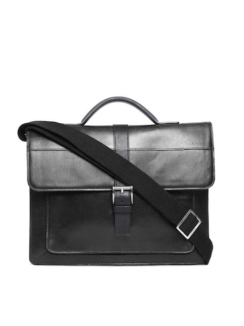 Holii Men Black Handcrafted Textured Natural Leather Messenger Bag