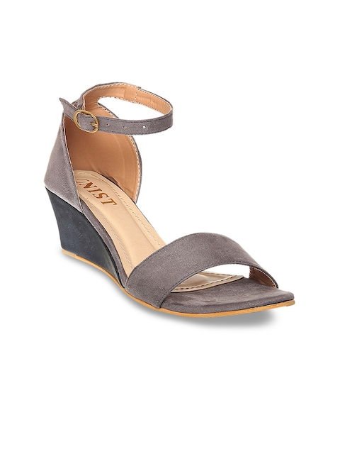 GNIST Women Taupe Solid Sandals