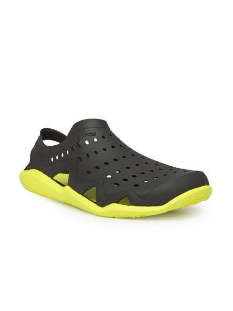 Crocs Men Black & Yellow Swiftwater Wave M Clogs