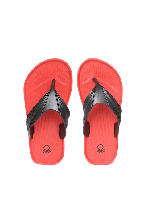 United Colors of Benetton Unisex Black Textured Thong Flip-Flops